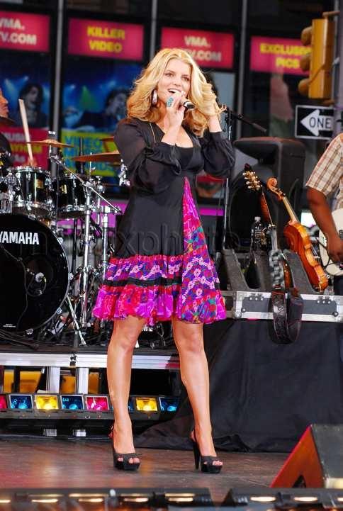 Jessica Simpson performs on ABC\'s Good Morning America