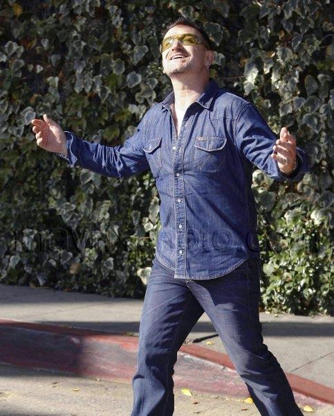 10_25_2009_Bono Enjoys a Beautiful Day_146.jpg