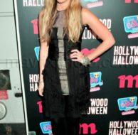 11_11_2009_Ashley_Tisdale_M_Magazine_Hollywood_Hallween_1.jpg