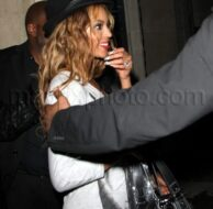 11_16_09_Beyonce and Rihanna Hang out_20.jpg