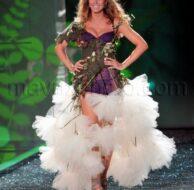 11_19_2009_Victorias_Secret_Fashion_Show_1.jpg