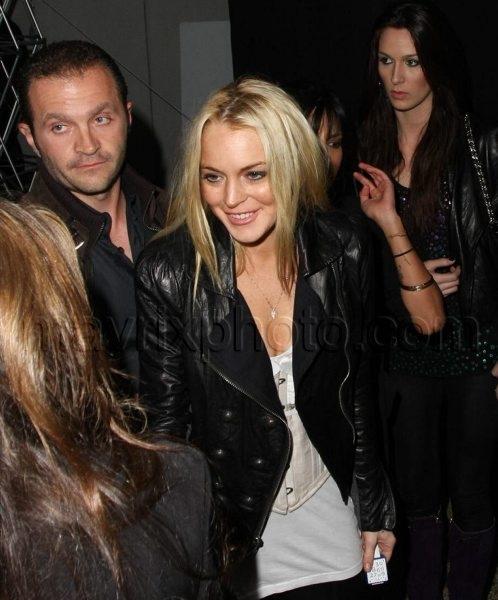 11_13_2009_Lindsay_Lohan_Nu_Pop_Launch_1.jpg