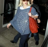 12_09_2009_Britney Spears Weaves Her Web_1.jpg
