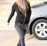 12_13_2009_Avril Lavigne Rocks Chanel_1.jpg