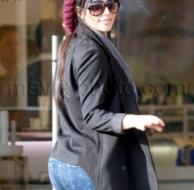 12_13_2009_Kim Kardashian Mad Hatter_1.jpg