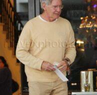 12_17_09_Harrison Ford Shopping_199.jpg