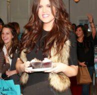 12_17_09_Khloe Kardashian celebrates Cupcake Day_204.jpg