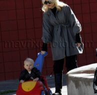 01_23_2010_Gwen Stefani Park Day_1.jpg