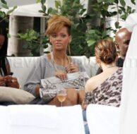 2_5_10_Rihanna Gets A Hug_125.jpg