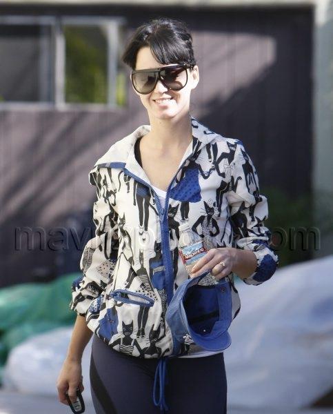 02_03_2010_Katy Perry Gym_1.jpg