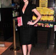 03_24_2010_Jennifer Love Hewitt Signing_1.jpg