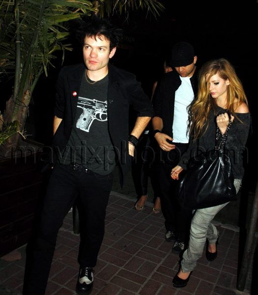 03_22_2010_Lavigne and Whibley Together Again_1.jpg