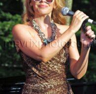 8_29_10_Kylie Minogue Live Watermill_519