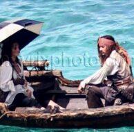 9_13_10_Depp and Cruz Rowboat_554