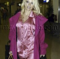 9_20_10_pam-anderson-athens_136