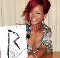 10_27_10_Rihanna Book Signing_1