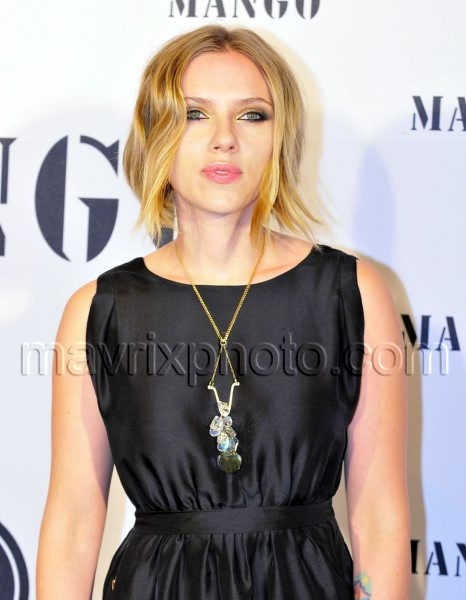 10_21_10_Mango Fashion Awards Scarlett Johansson_253