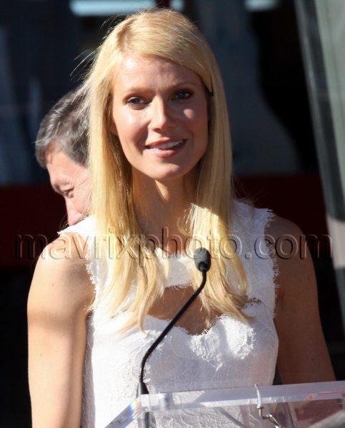 12_13_10_Gwyneth Paltrow Star_1