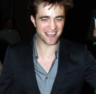Robert Pattinson Kimmel Exit_4_21_11_10