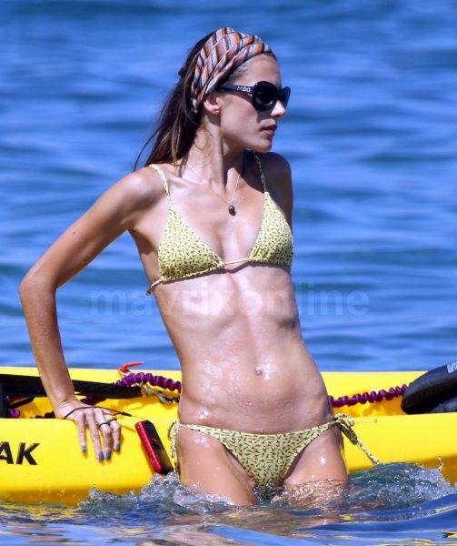 Alessandra Ambrosio Yellow Bikini_8_10_11_001