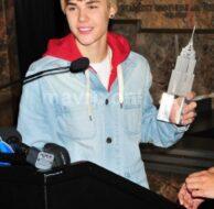 Bieber Lights Empire State_11_18_11_01