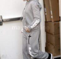 Jennifer Lopez Blessed Shopping_12_16_11_01