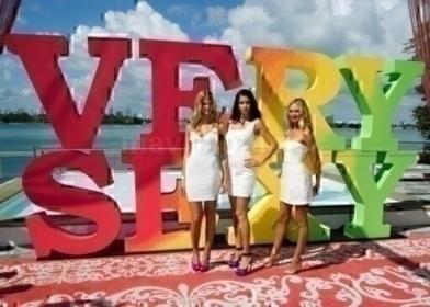 Victorias Secret Sexy Jet Tour_3_1_12_01