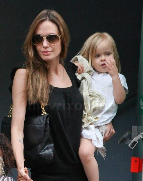Angelina-Jolie-Mastectomy_5_14_13_01